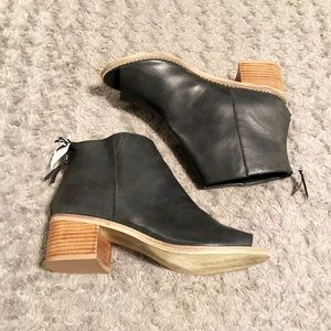 New! Ecote ankle boots paid $105 size 9. Brand new